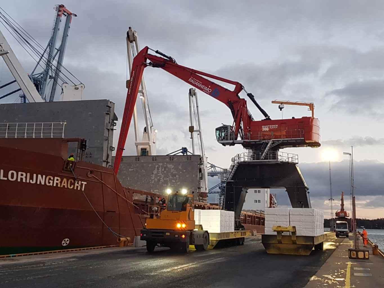 bulk handling crane